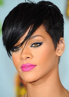 Rihanna Blue eyeliner and cold fuchsia lips
