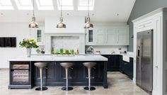 Real Kitchens from 1909 kitchens - high quality kitchens with a quintessentially British feel.