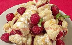 Ciastka francuskie z malinami. Wyśmienicie wygląda i tak samo smakuje!