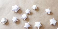 Petites étoiles en papier (http://minnamay.com/origami-stars-tutorial)