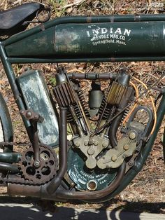 Amelia Island Indian Motorcycle Auction 2014 Photos - The 1909 Indian Light Twin features a pocket-valve Twin with mechanical valve intakes, Hedstrom carburetor and single-speed transmission.