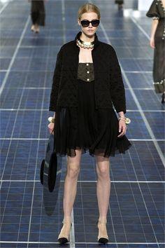 Sfilata Chanel Paris - Collezioni Primavera Estate 2013 - Vogue