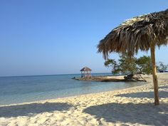 @mcwynja  This is where all the amazing snorkeling is down the beach @ Playa Pesquero, Holguin. Cuba
