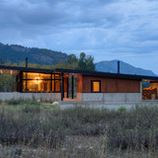 Houzz Tour: Flexing New Design Muscles on a Vermont Lake