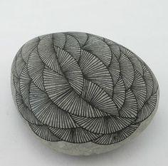drawdrawdraw: Dibujos de piedra: Yoran Morvant