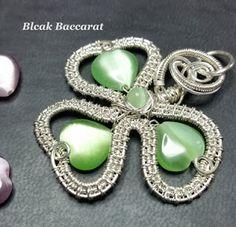 Black Baccarat Jewellery Wire Wrapped Jewelry, Wire Jewelry, Jewelry Crafts, Jewelery, Handmade Jewelry, Jewelry Ideas, Wire Crochet, Wire Pendant, Holiday Jewelry