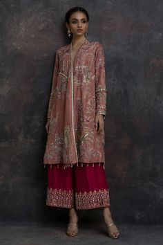 Buy beautiful Designer fully custom made bridal lehenga choli and party wear lehenga choli on Beautiful Latest Designs available in all comfortable price range.Buy Designer Collection Online : Call/ WhatsApp us on : Pakistani Wedding Outfits, Pakistani Dresses, Indian Dresses, Indian Outfits, Pakistani Mehndi Dress, Indian Clothes, Indian Designer Outfits, Designer Dresses, Shadi Dresses