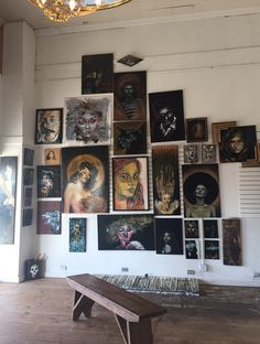 Wall of paintings Art Studios, Decoration, Art Inspo, Cool Art, Art Projects, Art Photography, Artsy, Room Decor, Fine Art