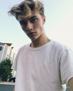 """5,463 Me gusta, 72 comentarios - LUCKY BLUE SMITH (@luckybsmith) en Instagram: """"Living the moments I will forever remember"""""""