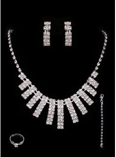 Bijoux (Gorgeous Alloy With Czech Rhinestones Wedding Bridal Jewelry Set,Including Necklace And Earrings 011005492)