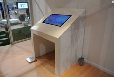 Touchscreen Interactive Table Technology for Trade Shows