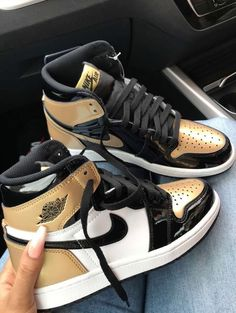 Dr Shoes, Cute Nike Shoes, Swag Shoes, Nike Air Shoes, Hype Shoes, Sneakers Mode, Sneakers Fashion, Shoes Sneakers, Nike Fashion