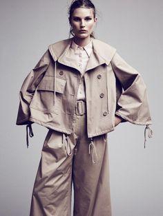 Rene Linjer (Costume Magazine)