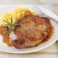 Rosemary-Garlic Pork Chops - low carb and ready in 21 minutes! - These Italian-inspired pork chops make for a fast and fragrant weeknight meal.