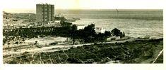 El primer bloque de la playa de la Almadraba. Apartamentos Santa Bárbara en la playa de la Almadraba (Alicante). Foto de 1969