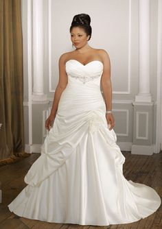 Plus size wedding dress, wedding gown for the full figured or curvy woman. Flattering and slimming satin Plus Size Wedding Gowns, White Wedding Dresses, Wedding Dress Styles, Plus Size Dresses, Bridal Dresses, Prom Dresses, Dress Wedding, Dresses 2014, Formal Wedding