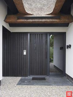 Martijn Veldman - Spacious villa with Italian design - Hoog ■ Exclusieve woon-. Covered Patio Design, Black Front Doors, Round House, Entrance Doors, Villa, New Homes, Exterior, House Design, Outdoor Decor
