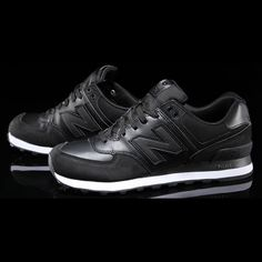 b6bfb0a890b0 On-Foot Look  The New Balance 990v5 is Here!