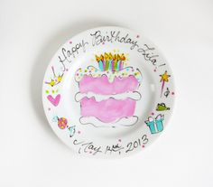 The perfect gift for any loved one, our custom Birthday Plate allows you to have Timree hand-paint a custom celebratory images filled with personalized details and turn it into a beautiful dish to be cherished for a lifetime! Birthday Plate, Birthday Cake Girls, Happy Birthday Cakes, Sharpie Plates, Painted Ceramic Plates, Hand Painted Cakes, Ceramics Projects, Camping Crafts, Spring Crafts