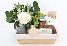 Celebrate Mom: A gift guide for Mother's Day Creative Gift Wrapping, Creative Gifts, Unique Gifts, Gift Subscription Boxes, Yogurt Maker, Ideas Hogar, Client Gifts, Gifts For Your Mom, Spa Gifts