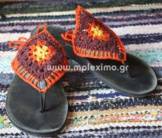 Crochet-embellished flip-flops - Hmm, not sure if tacky or cute. Crochet Boots, Crochet Slippers, Knit Or Crochet, Crochet Crafts, Crochet Clothes, Crochet Projects, Flip Flop Craft, Crochet Flip Flops, Crochet Barefoot Sandals