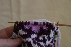 Tutorial: Intarsia in the Round... def need to check this one out! I {heart} circular knitting!!