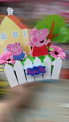 Peppa Pig birthday party / Peppa Pig centerpiece
