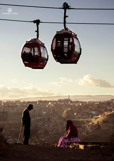 Highest and largest urban cable car in the world, La Paz, Bolivia. Places Ive Been, Places To Go, Evo Morales, Car In The World, The Republic, John Lennon, Urban Design, Continents, South America