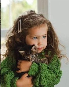 All you need to know about pets for kids girls in one place! Animals For Kids, Animals And Pets, Baby Animals, Cute Animals, Precious Children, Beautiful Children, Beautiful Babies, Cute Kids, Cute Babies