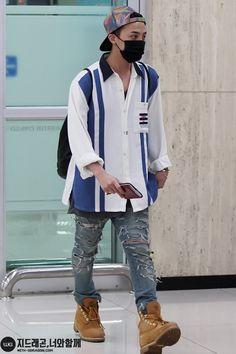 g dragon airport fashion - Google Search Kpop Fashion, Airport Fashion, Mens Fashion, Street Fashion, G Dragon Fashion, Bigbang G Dragon, Airport Style, My Princess, Style Icons