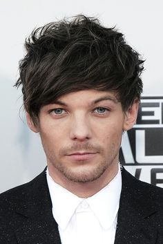 Louis Tomlinson AMA's 2015    he could just kill you with his eyes POOF