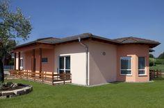 Laguna stabilisce nuovi parametri nell'architettura delle case ad un piano, coniugando un comfort abitativo di altissimo livello con uno stile molto person