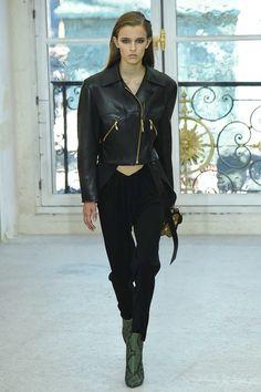 Louis Vuitton Spring 2017 Ready-to-Wear Collection Photos - Vogue