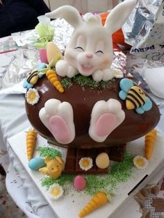 Chocolate Easter sweet treat with the bunny kisses Easter wishes Easter Bunny Cake ideas for all the Bunny Kisses & Easter Wishes to get directed your way - Hike n Dip Easter Bunny Cake, Easter Cupcakes, Easter Cookies, Easter Treats, Easter Eggs, Bunny Bunny, Easter Deserts, Rabbit Cake, Egg Cake