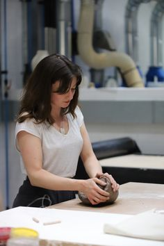 ABOUT I am currently a Master's student on the Ceramics and Glass programme at the Royal College of Art. As a result of the first year of this course, my. Royal College Of Art, Presentation, Student, Ceramics, London, Glass, Ceramica, Pottery, Drinkware