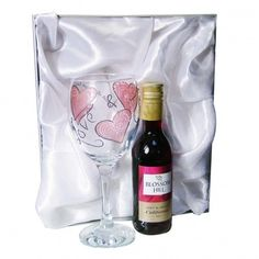 Personalised Red Wine Set - Love & Kisses £24.99 - The Wedding Gift Company