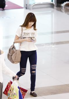 Jessica ; cool airport fashion #fringe