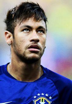 Neymar against Croatia in the FIFA World Cup. Football Brazil, Neymar Football, Football Players, Barca Team, Brazilian Soccer Players, Neymar Jr Wallpapers, Paris Saint Germain Fc, Neymar Pic, Football Quotes