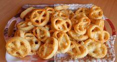 Sajtos perec - Lakodalmas sütemények Onion Rings, Winter Food, Macaroni And Cheese, Food And Drink, Ethnic Recipes, Magic, Mac And Cheese, Onion Strings