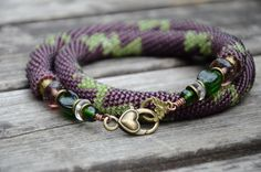 Handmade crocheted necklace - ZigZag pattern, lobster clasp.