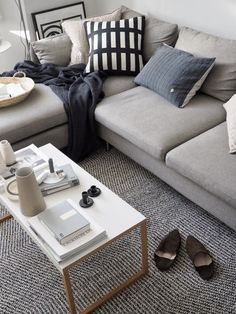 20 of the best minimal coffee tables