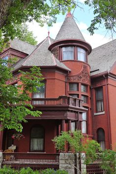 Montana's Original Governor's Mansion, like its home city of Helena, was paid for by gold mining.