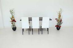 """Tisch """"exklusiv"""" Makasser in Kombination mit den Stühlen """"Nivo"""" in weiß"""