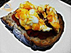 Hoy toca #dieta #tostada #huevo #tomate #aceite #trufas #pan #AsEirasLires www.hotelcostadamorte.es