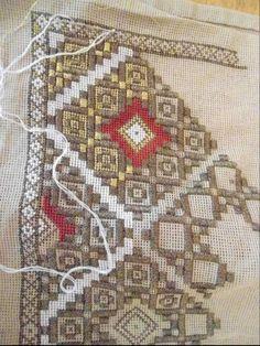 Hardanger Embroidery, Beaded Embroidery, Cross Stitch Embroidery, Cross Stitch Patterns, Hand Embroidery Design Patterns, Lassi, Bargello, Cross Stitching, Needlework