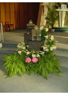 Catholic church art and environment for Easter Altar Flowers, Church Flowers, Wedding Flowers, Church Altar Decorations, Altar Design, Church Events, Easter Celebration, Our Lady, Colorful Decor