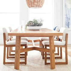 Williams-Sonoma Home features classic and luxury dining tables including marble dining tables perfect for any dining room. Shop formal dining tables and round dining tables made for dinner parties.
