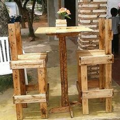 Royal and much an awesome creation setting of the wood pallet table and chair has been set out to be the part of this image. It's most catchier part has been the long height designing of the chair that would catch your attention foremost. It is completely located in the rustic wood pallet usage.