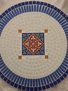 Badeja giratória em mosaico de pastilhas e azulejos!