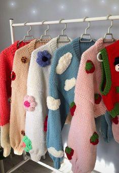 Crochet Designs, Crochet Patterns, Knitting Patterns, Crochet Blocks, Indie Outfits, Cute Casual Outfits, Crochet Cardigan, Knit Crochet, Crochet Motif